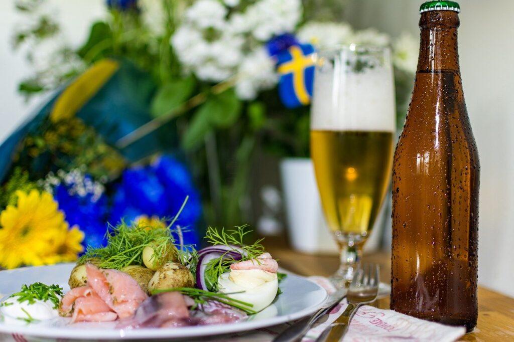 Glad midsommar önskar IPA Sverige